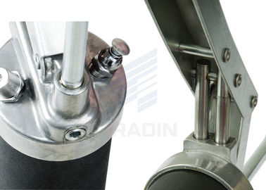 China Double Piston Air Operated Grease Gun With Double Output Volume distributor